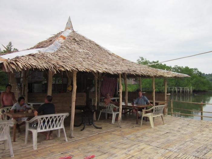 7-arlenes-cafe-port-bonbonon